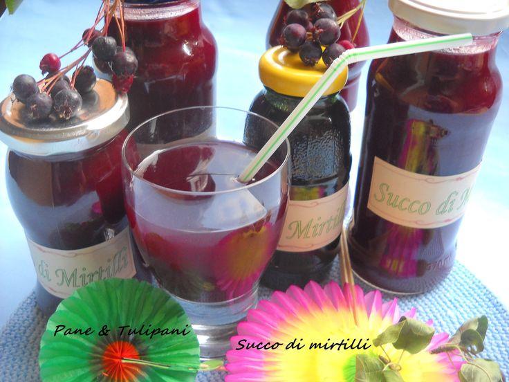Succo di frutta ai mirtilli E dopo il succo di gelsi ecco il #succo di #frutta ai #mirtilli. Fresco, goloso ma soprattutto salutare. http://blog.cookaround.com/vincenzina52/succo-di-frutta-ai-mirtilli/