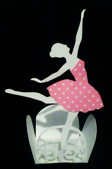 Forminha bailarina de papel.                                                                                                                                                     Mais