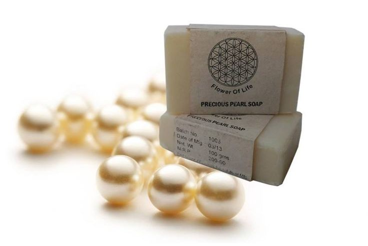 Want your #skin to glow and blush? Use Flower Of Life Precious Pearl #Facial_Soap and experience a soft, supple, revitalized and luminous skin. http://www.snapdeal.com/product/flower-of-life-precious-pearl/838715428