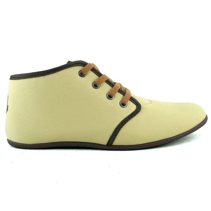 Najnowsza wiosenna propozycja od Hooy! :)  Lekkie, sportowe buty dla dziewczyn i kobiet, które cenią sobie luźny i wygodny styl.  Buty wykonane z materiałów tekstylnego i skóropodobengo.  Kolor: piaskowy z brązowym wykończeniem  Cena: 149 zł