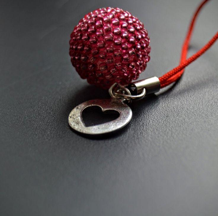 Rudé srdce - přívěšek na kabelku, klíče – Potvor - pomáhat tvořit