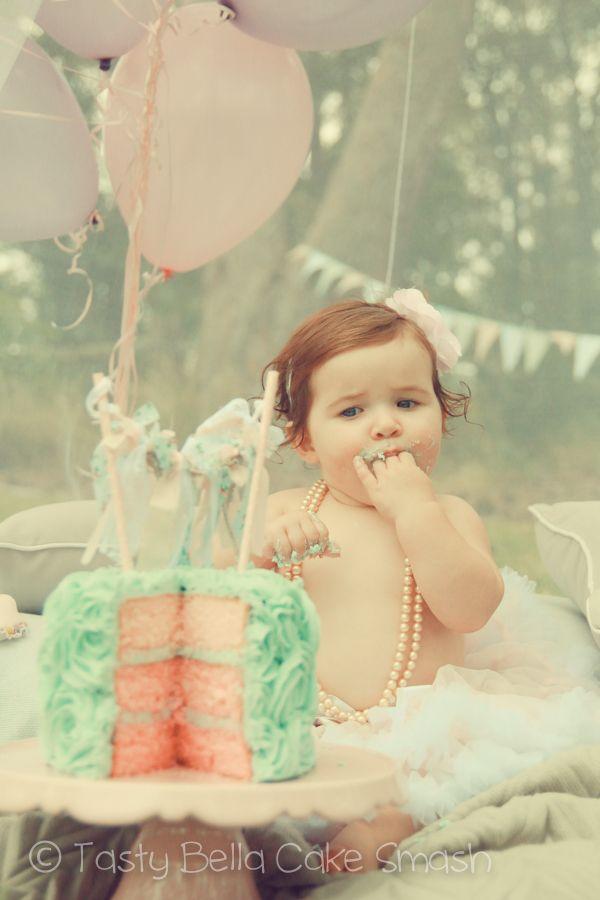 Tasty Bella Cake Smash // Sunshine Coast // first birthday // vintage // girl // pink // aqua // tutu // net // tent // pearls // balloons