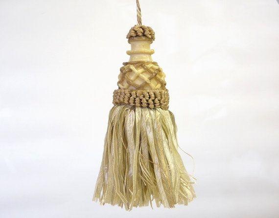 Sand  beige tassel  light gold key tassel supply for by Eleptolis