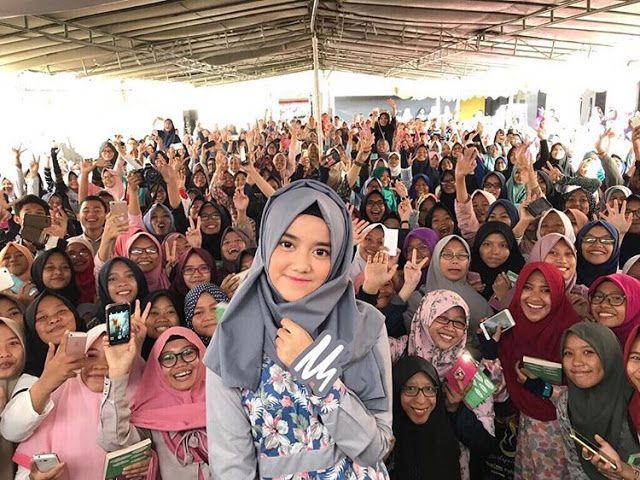 Kumpulan Foto Wirda Mansur Goes Indonesia di Cirebon