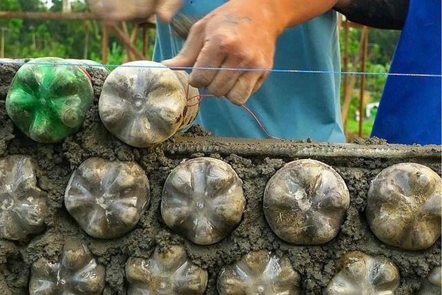 ECO-IDEAS Y RECICLAJE : Casas construidas con botellas plásticas llenas de...