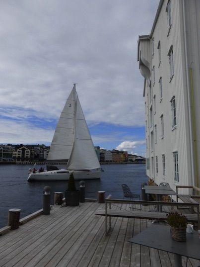 Thon Hotel Kristiansund with yacht