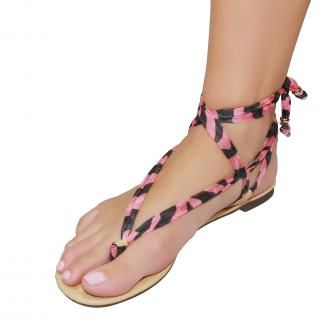 Shutini's Z Stripe Strap features a short, patterned, pink and black strap which combines a mixture of high quality lycra and cotton. On #sale for $6.95. #shoes