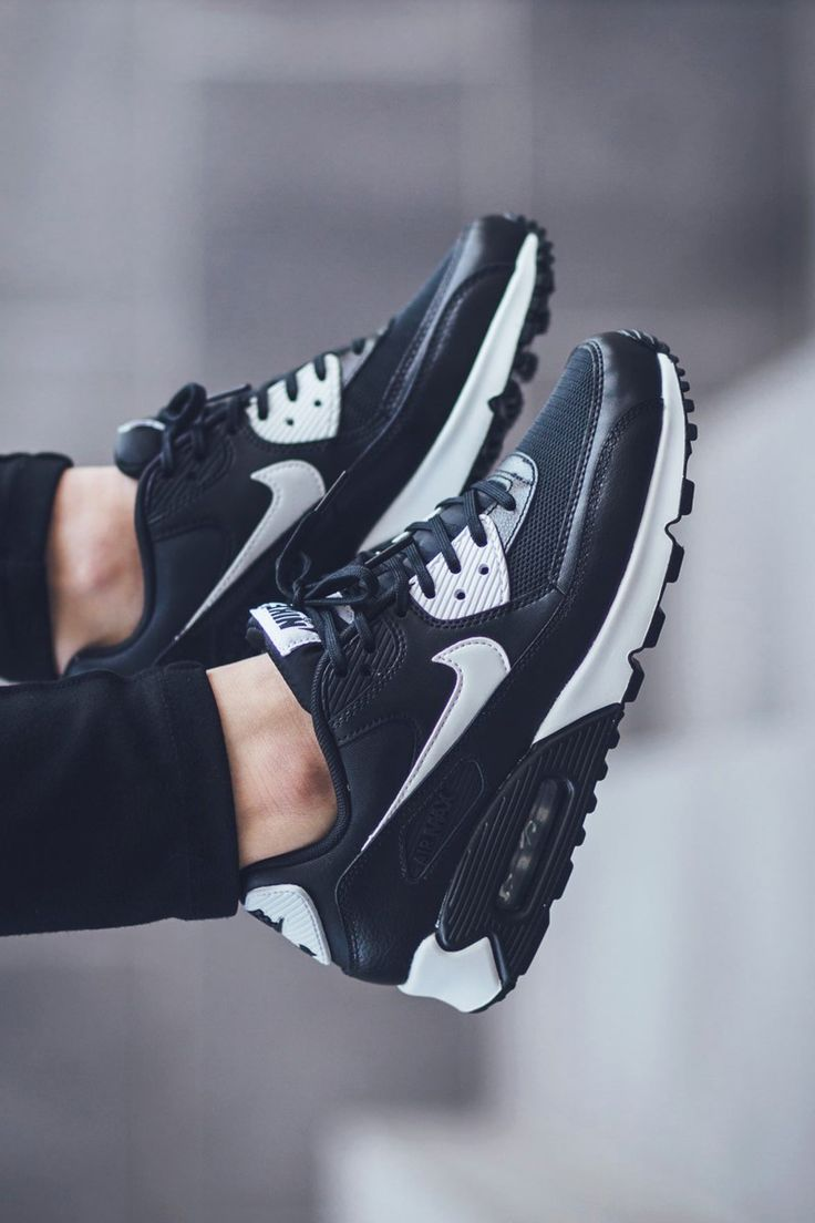 NIKE W Air Max 90 Essential B&W https://tmblr.co/ZRlNZd2N9uihH
