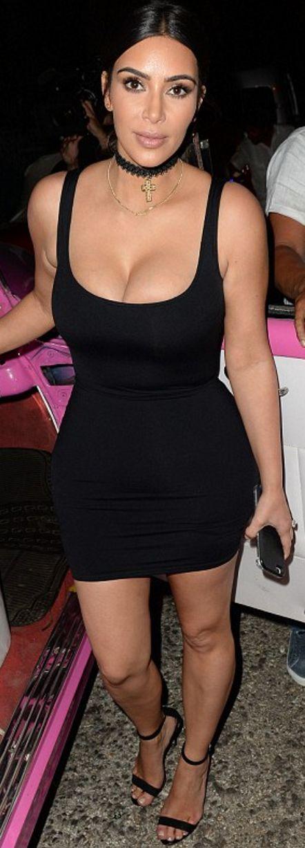 Who made Kim Kardashian's black tank top and sandals?