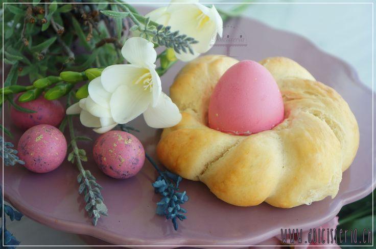 #zopf #nästli #eierfärben #eier #ostern #happyeaster #mehraufdemblog www.dolcisseria.ch