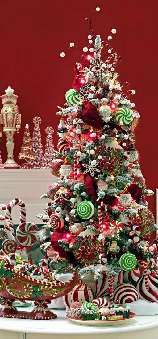 Pre-lit 4 ft. Artificial flocked snow tree with ornament-to-ornament display. Beautifully done!