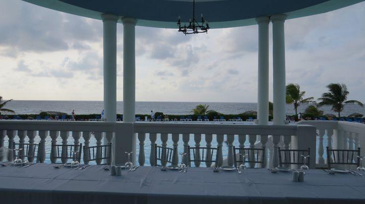 Private wedding reception at in Jamaica, Blue Lagoon Restaurant / Recepción de boda privada en #GrandPalladium #Jamaica