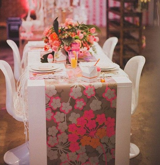 Use a strip of wallpaper as a table runner! Great idea!