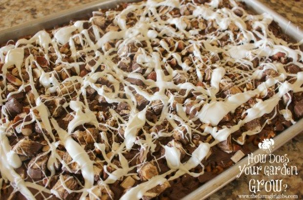 SNICKERS® Almond Bark Drizzled