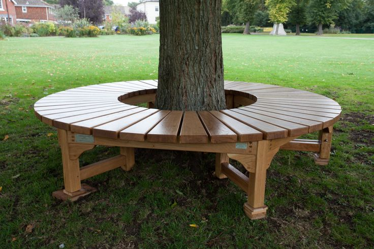 Build+a+Bench+around+a+Tree | Tree seat for War Memorial Park in Romsey, Hampshire September 2013