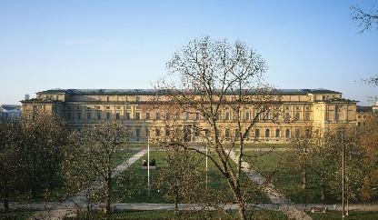 Museen in München: Alte Pinakothek Aussenansicht