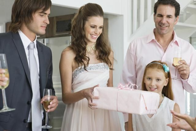 Guide to Proper Wedding Gift Etiquette