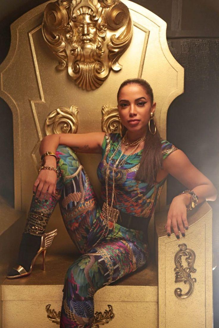 Às vésperas da Olimpíada, Anitta entra na onda do funk rasteirinha e lança Sim ou Não