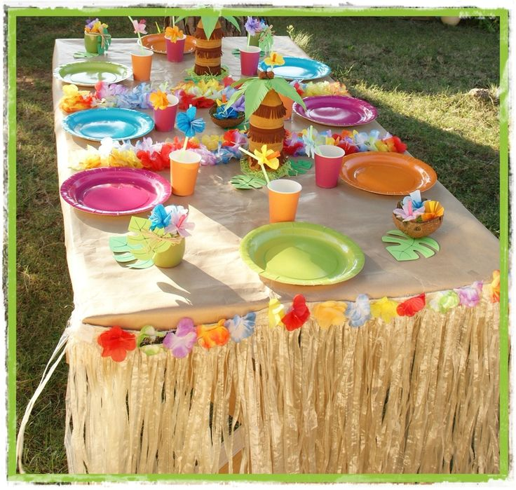 DIY  faire un anniversaire sur le thème de Stitch et Hawaï · Anniversaire  HawaïenAnniversaire VaianaDéco