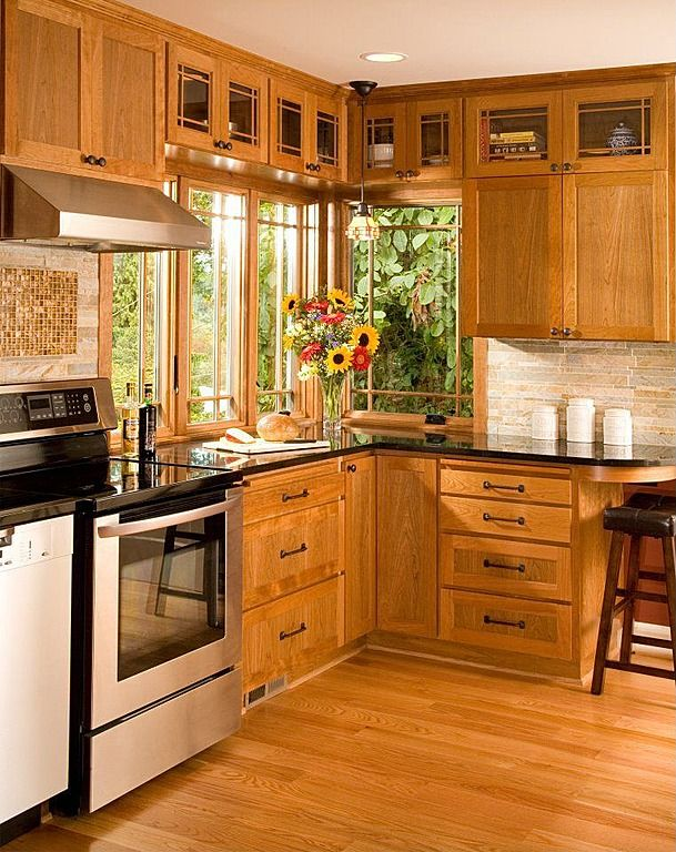 View This Great Craftsman Kitchen With Flat Panel Cabinets U0026 Glass Top  Electric Range By Elizabeth P. Discover U0026 Browse Thousands Of Other Home Design  Ideas ... Part 51