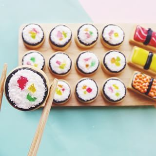This coconut sushi. | 18 Insanely Clever And Beautifully Decorated Cookies
