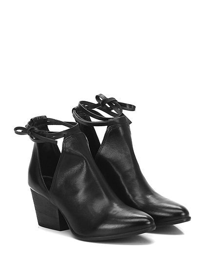 Fiori Francesi - Tronchetto - Donna - Tronchetto in pelle con chiusura a laccio alla caviglia e suola in cuoio. Tacco 65. - NERO