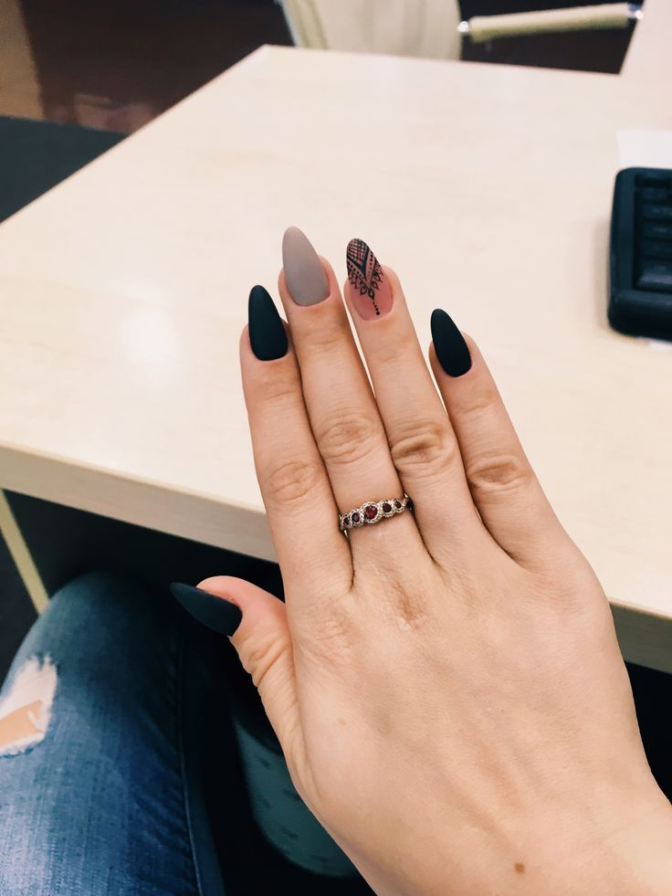 #ногти матовые миндальная форма красивые