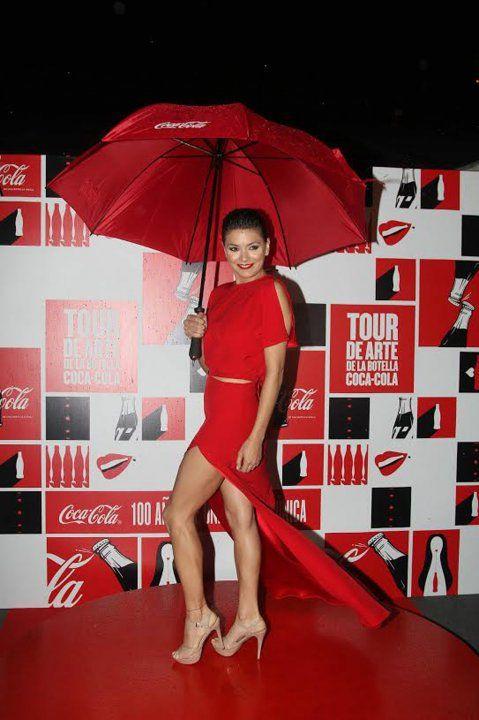Natali Perez - Los famosos se divirtieron en el evento de Coca-Cola