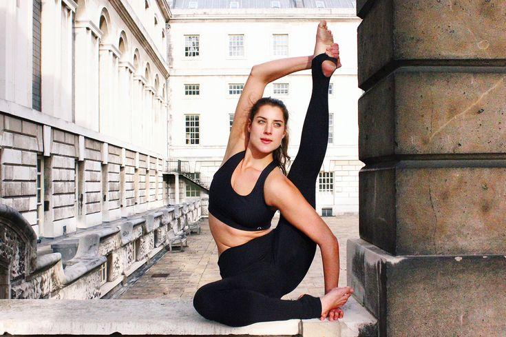 Compass pose | Yoga |Practice and all is coming |www.lealou.me