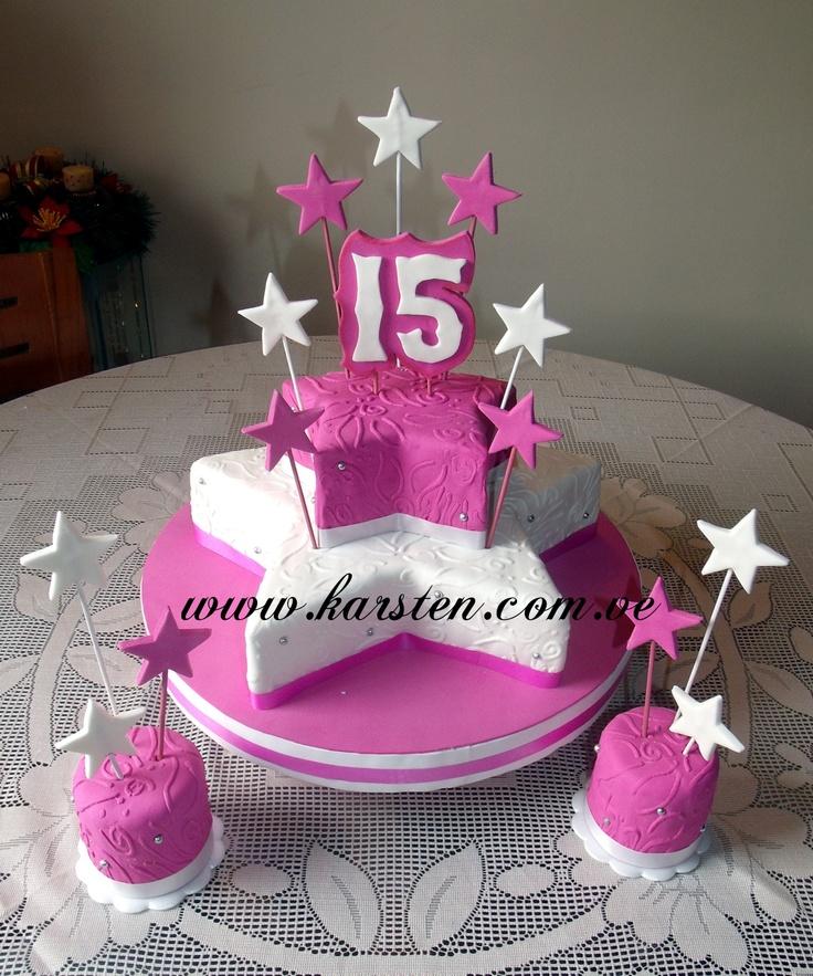 Torta de 15años en forma de estrella en color Blanco y Fucsia