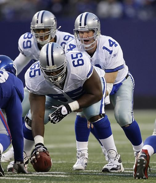 Cowboys Center Andre Gurode Prepares To Snap Ball To Qb Brad Johnson