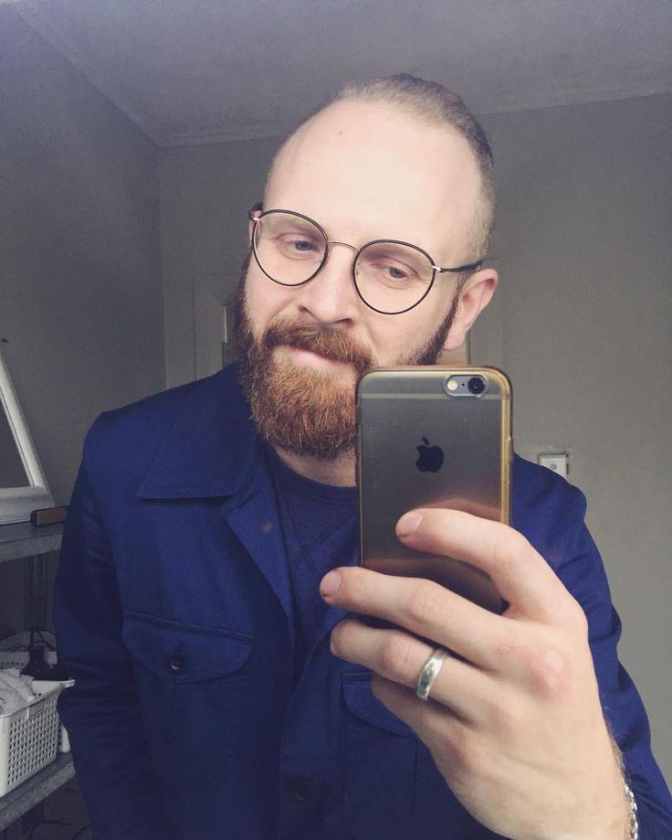 salvalentine:    got dat I been staring a screen all damn day glow on  #glowedup  .  .  #salvalentine #blue #man #menswear #nzmade #casual #style #newzealand #men #beard #fashion #selfie #iphone #wiwt #ootd #instadaily #instagood #instalike #instamood #soblessed (at Mount Roskill)