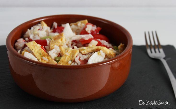 Amplia tu recetario de ensaladas gracias a las 7 propuestas distintas de ese plato que ha recopilado en este post la autora del blog ENTRE3FOGONES. ¡Las hay para todos los gustos! Encontrarás, por ejemplo, una ensalada de remolacha y pepino, o una de garbanzos con tofu.