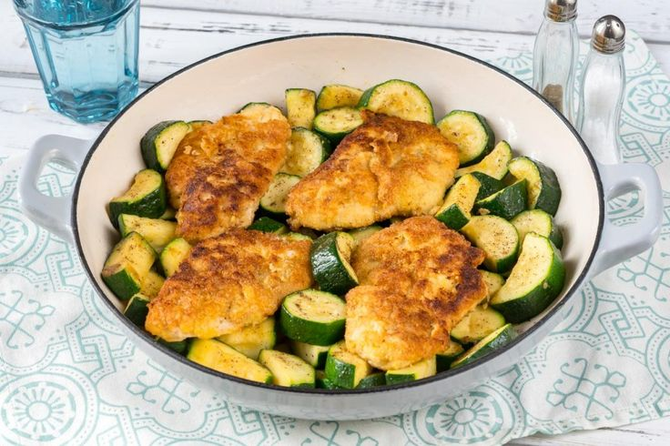 This Grain Free Crispy Garlic Chicken and Zucchini is a Crowd Pleaser! | Clean Food Crush