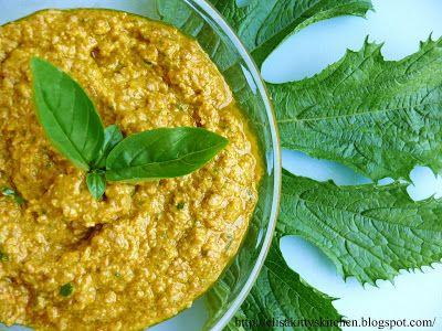 Pesto di fiori di zucca, colatura di alici e semi di girasole | Kitty's Kitchen