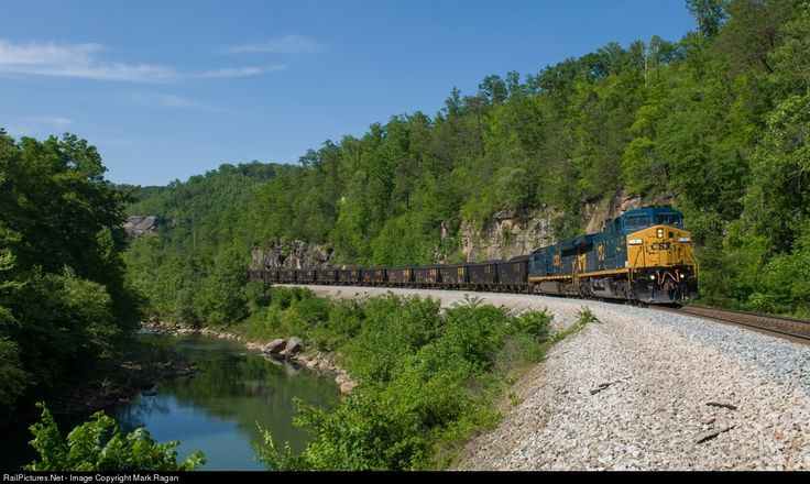 RailPictures.Net Photo: CSXT 1 CSX Transportation (CSXT) GE AC4400CW at Jellico, Tennessee by Mark Ragan