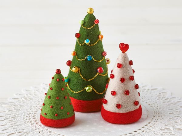 How to make needle-felted Christmas trees