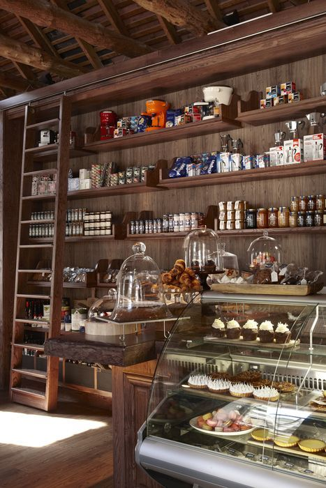 115 best Bar design ideas images on Pinterest | Restaurant ...