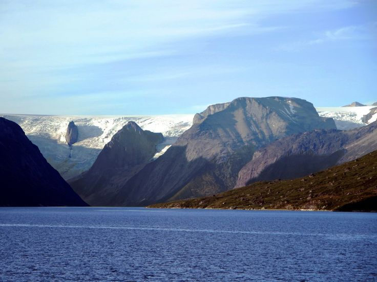 A mighty glacier off the Greenland Ice Sheet closes Tasermiut Fjord.