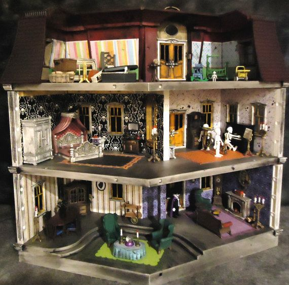 Back view Playmobile Haunted Dollhouse