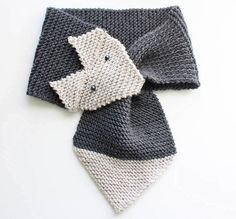 Foxy Garter Stitch Scarf | This garter stitch scarf is perfect for the fox lover in your life.