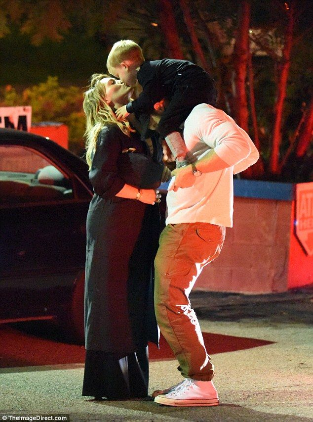 Kisses for her boys! Hilary Duff gave her son Luca and her boyfriend Jason Walsh some TLC ...