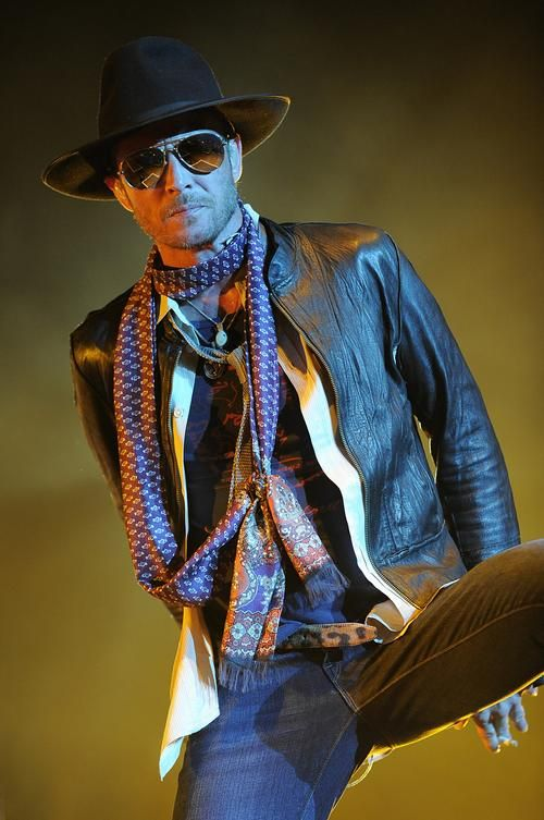 Scott Weiland of the Stone Temple Pilots