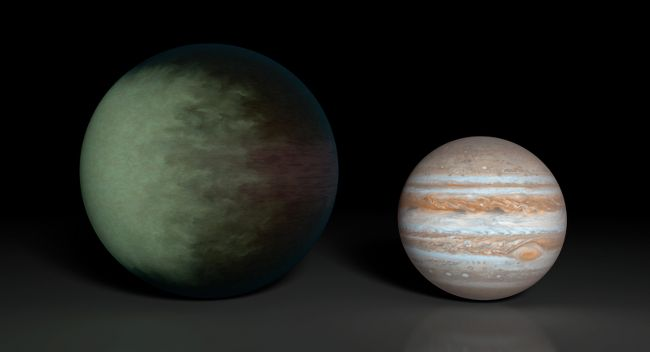NASA's search for habitable planets maps ALIEN CLOUD-WORLD Kepler-7b (L), which is 1.5 times the radius of Jupiter (R).  NASA's been able to figure out the temperature of distant planets before, the study of hot, Jupiter-like Kepler 7b is the first map of a world's skies.