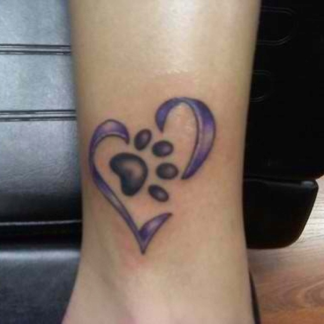 Want this tattoo but with a black heart instead!! Love my dogs