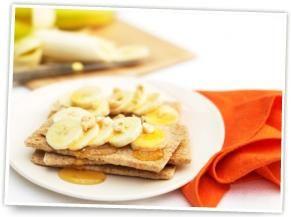 Ryvita with banana, honey and mixed nuts - nice snack!