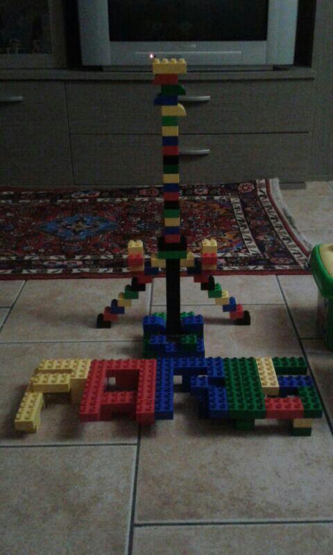 Tour Eiffel in lego