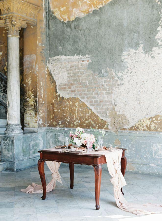 Romantic wedding inspiration in Cuba: http://www.stylemepretty.com/2017/04/26/romantic-wedding-inspiration-in-old-havana-cuba/ Photography: Cly by Matthew - http://www.clybymatthew.com/
