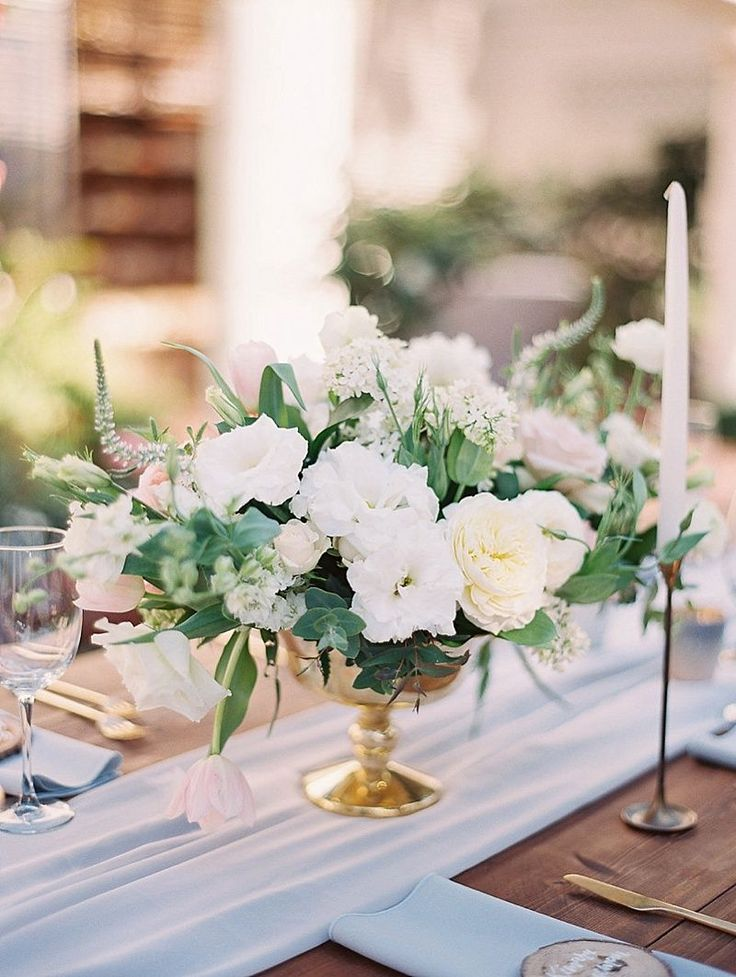 Best 25 gold vase centerpieces ideas on pinterest roses for White wedding table decorations