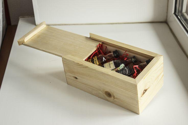 Эта коробка Идеальна для хранения мелких вещей или украшений. Может стать оригинальной упаковкой для подарка. Ну а мастера-декораторы определенно увидят в этой коробке прекрасную основу для своих будущих шедевров.